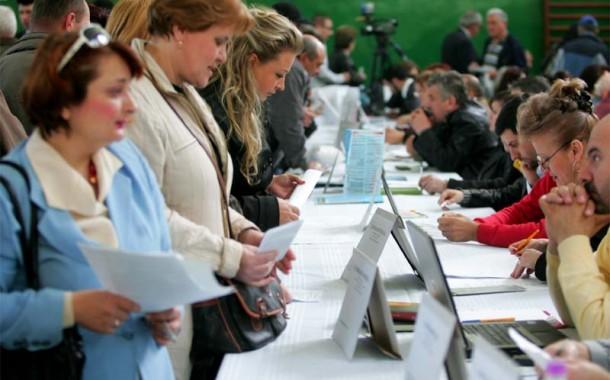 1 din 4 absolventi, selectati pentru angajare la Bursa Locurilor de Munca organizata de AJOFM Prahova