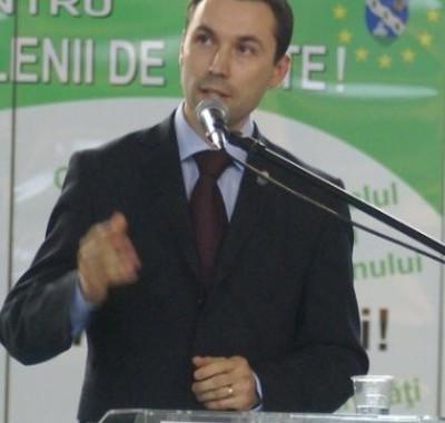 VIDEO: Reusita TV, cu Mihai Apostolache, despre singura carte comentata despre alegerile locale