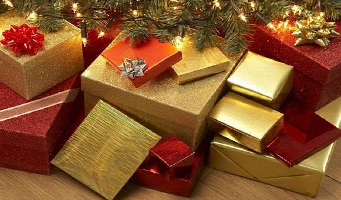 Romanii cheltuie 570 RON pentru cadourile de Craciun; pe ce se duc banii?