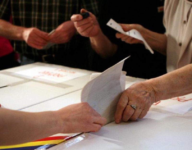 Mandatele de primar castigate de partide in Prahova