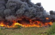 Incendiu imens la o firma de colectare deseuri din Floresti