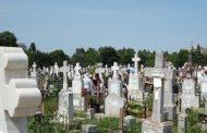 Femei acuzate ca au furat iconitele de pe pieptul mortilor