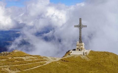 Fonduri Regio pentru reabilitarea Crucii de pe Caraiman