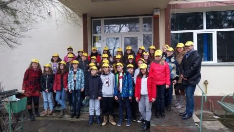 Lions Club Ploiesti – actiune de plantare arbori la Scoala Sfantul Vasile