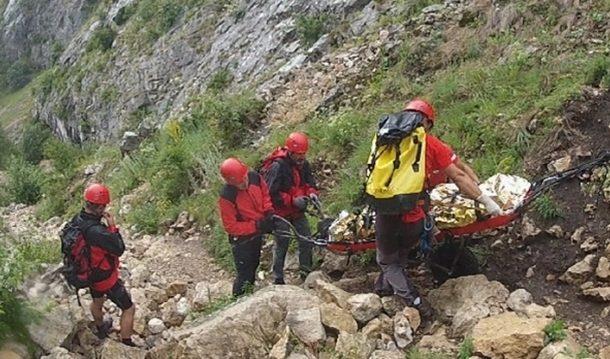 Turista decedata in Bucegi, dupa ce a cazut intr-o prăpastie de cca 300 m