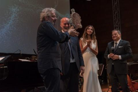 """DUCATI ENERGIA a primit premiul """"Leonardo The Immortal Light"""" in cadrul concertului Nicola Piovani din Romania"""