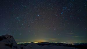 IMAGINEA ZILEI: In zori, de pe Varful Omu