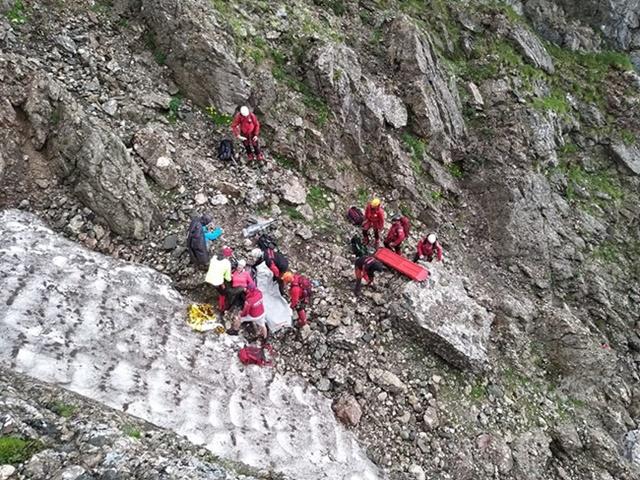 ACUM: Salvamontistii din Busteni, actiune de salvare pe Valea Malinului