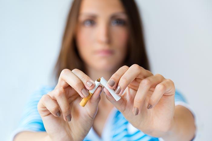 (P) Fumatul înainte și după intervenția de implant dentar?